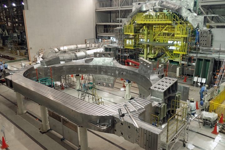 Japan completes the first D-shaped coil of the ITER Tokamak