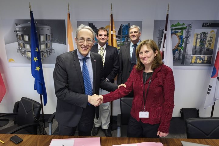 Collaboration agreement signed with the Max Planck Institute for Plasma Physics