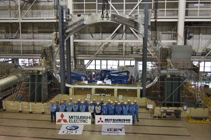 Toroidal field coils: first vertical insertion in Japan