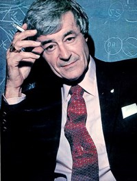 Robert Bussard (1928-2007), a fusion scientist and former executive at the US DOE designed the ''compact tokamak'' along with Italian-born physicist Bruno Coppi. (Click to view larger version...)