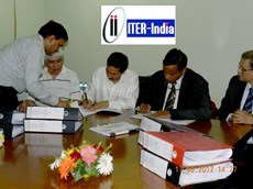 Shishir P. Deshpande (third from left), head of ITER India, and Anil Parab, vice president of the L&T Heavy Engineering division, signed the contract for the manufacturing of the ITER cryostat on 17 August 2012. (Click to view larger version...)