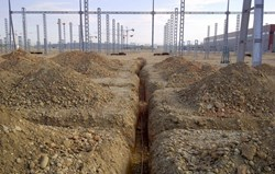 In order to decrease resistivity, the RTE switchyard is equipped with an ''earth mat,'' which consists of a network of rods and copper cables buried some 50 cm underground. A similar system will be installed on the platform. (Click to view larger version...)