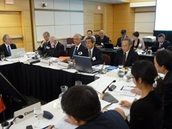 ''The US is committed in the project,'' stated Steven Chu, United States Secretary of Energy (right) as the tenth ITER Council began on 20 June in Washington, DC. Next to Chu: Council Chair Hideyuki Takatsu, speaking; ITER Director-General Osamu Motojima; and, right to left, deputies Rem Haange, Rich Hawryluk and Carlos Alejaldre. (Click to view larger version...)