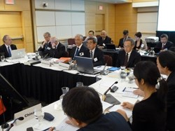 ''The US is committed in the project,'' stated Steven Chu, United States Secretary of Energy (right) as the tenth ITER Council began on 20 June in Washington, D.C. Next to Chu: Council Chair Hideyuki Takatsu, speaking; ITER Director-General Osamu Motojima; and, right to left, deputies Rem Haange, Rich Hawryluk and Carlos Alejaldre. (Click to view larger version...)