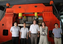 On 20 May 2013, representatives from the ITER Organization and the Chinese Domestic Agency witnessed the installation of the gravity support mockup multi-dimensional loading frame and preparation work for further qualification tests scheduled in September at SWIP, Chengdu. (Click to view larger version...)