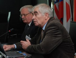 Two important technical decisions were made at this 15th meeting of STAC. The photo shows the Russian delegates Valery Belyako (left) and Nikolay Ivanov. (Click to view larger version...)