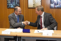 A major contract for the ITER Project and for Europe: the CEO of Cofely Axima, Jean Pascal de Peretti de la Rocca, and the Director of Fusion for Energy, Henrik Bindslev, sign the Tokamak Complex building services contract in Barcelona. (Click to view larger version...)