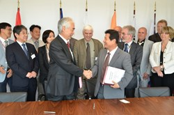 On 23 May, the ITER Organization and the Korean Domestic Agency signed the second TBM Arrangement of the program for the design, fabrication, transport and delivery of a helium-cooled ceramic reflector Test Blanket System. Four other TBMAs are expected to be signed before the end of the year. (Click to view larger version...)