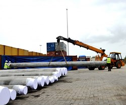 The first batch of cooling water piping was loaded at the Inland Container Depot in Khodiyar, India in early August.. (Click to view larger version...)