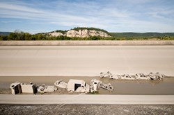 A near decade of car dumping makes for a lot of junk; one week into the job on the Cadarache-Jouques section, some 70 cars had already been retrieved. © Benjamin Mille (Click to view larger version...)
