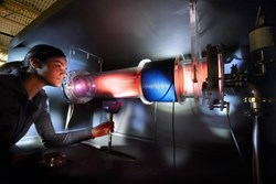 A physics student studying plasma behaviour at the Princeton Plasma Physics Laboratory. (Photo: Peter Ginter) (Click to view larger version...)