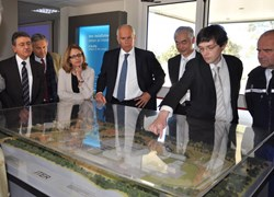 Ken Blackler, Head of the Assembly & Operation Division, presents the model of the installation to the Préfet. Looking on are, from left to right: Michel Bedoucha, CEA-Cadarache Deputy-Director; Jérôme Paméla, director of AIF; Yvette Mathieu, Préfète of Alpes-de-Haute-Provence; Préfet Parant; DG Motojima and General Mondoulet. (Click to view larger version...)