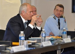 The French government's High Representative in the PACA region showed genuine interest in ITER science and technology. Sitting next to him are Gendarmerie General Mondoulet and Colonel Isoardi. (Click to view larger version...)