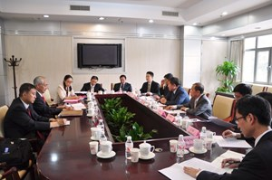 On 13 August, during his recent visit to Beijing, ITER Director-General Osamu Motojima and Vice-Minister CAO Jianlin signed the Memorandum. Also present were Ju Jin, ITER head of the Directorate for General Administration (left) and Luo Delong, Deputy Director-General of ITER China. (Click to view larger version...)