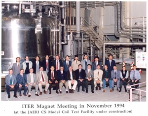 The ITER Magnet Meeting at JAERI 18 years ago. First row: fourth from left Peter Titus (PPPL); Hiroshi Tsuji (JAERI Superconducting Lab); Bruce Montgomery (MIT Division Head); Ettore Salpietro (Magnet Group Leader in EFDA); Carlo Sborchia. Second and third after Carlo are Pietro Barabaschi (Broader Approach Head at F4E) and Cees Jong (Magnet structural engineer at IO). Second row from left: Neil Mitchell (IO), Kiyoshi Okuno (JA-DA), and (last person on the right) Kiyoshi Yoshida (JT-60SA Magnet Manager). (Click to view larger version...)