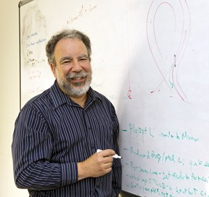 Rob Goldston joined PPPL as a graduate student in 1972, earned his doctorate in astrophysics from Princeton in 1977, and served in positions of increasing responsibility, including becoming a professor in the University's Department of Astrophysical Sciences, until being named the lab's director in 1997. (Click to view larger version...)
