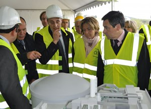 From left to right: Daniel Iracane, RJH Project Manager; René Ricol, Head of the French government's Investments Commission; Bernard Bigot, CEA Administrator General; Valérie Pécresse, French Minister of Higher Education and Research; and Prime Minister Fillon. (Click to view larger version...)