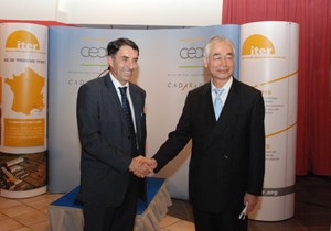 Maurice Mazière, who was appointed Director of CEA-Cadarache last July, and ITER Director-General Motojima, who arrived at ITER at about the same time. Here they participate in the ''Cérémonie des vœux'' on Tuesday 11 January. (Click to view larger version...)