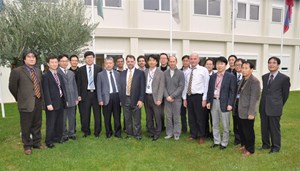 The participants to the meeting with the CEO of Dawonsys, Sun-Soon Park, Jong-Seok Oh from the Korean Domestic Agency, DDG Yong-Hwan Kim and Ivone Benfatto, head of the Electrical Engineering Division, together with the team from ITER, and industry. (Click to view larger version...)