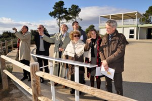 French High Commissioner for Atomic Energy Catherine Cesarsky, a world-renowned astrophysicist, visited the ITER construction site on 7 December. From left to right: Bernard Salanon, a Euratom adviser; Gabriel Marbach, former director of CEA fusion research (IRFM); Jean Jacquinot, scientific advisor to the High Commissioner; Mrs Cesarsky; Alain Bécoulet, head of IRFM; Emmanuelle Tsitrone, assistant to the High Commissioner; and Alain Gauthier, advisor to the High Commissioner for Solar Energy. (Click to view larger version...)