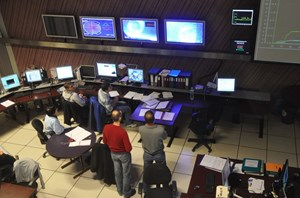 In Tore Supra's Control Room during a recent plasma shot. ''Individual installations must now become tools for the whole fusion community,'' say both Marbach and Bécoulet. (Click to view larger version...)