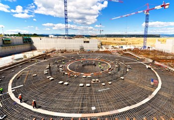 Four thousand tons of reinforcement will form the ''skeleton'' of the basemat that will support the Tokamak Complex. Steel density is at its highest in the central area (one fourth of the total rebar). (Click to view larger version...)