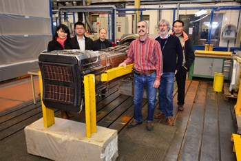 As IRFM's Roland Magne and Serge Poli were preparting the C2 antenna for its long voyage to China, ITER's Caiping Zhou, Xiaoyu Wang and Feng Liu, and CEA's Xiao Lan Zhou (all originally from SWIP) came to bid farewell. (Click to view larger version...)