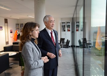 Ms Deniz Erdoğan Barım, the Turkish Consul General in Marseille (seen here with DG Motojima), visited the ITER construction site on Wednesday 29 January. Her country, highly dependent on fuel imports needs ''to contemplate all the [energy] options'', including fusion. (Click to view larger version...)