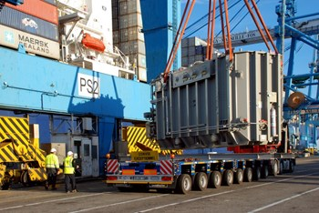On 19 December, the first of four transformers for ITER's steady state electrical network reached the Mediterranean port of Fos-sur-Mer. (Click to view larger version...)