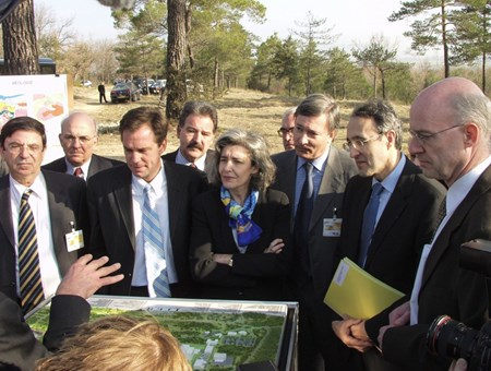Accompanied by her chief of staff at the time, Bernard Bigot (2nd from right), Claudie Haigneré was a regular visitor to Cadarache forest, affirming her ''determination'' to see ITER become a reality on that very spot. (Click to view larger version...)