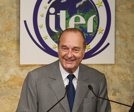 ITER owes a lot to a few visionary politicians and decision makers throughout the world. President Chirac of France, seen here when he visited Cadarache in the wake of the site decision, was foremost among them. (Click to view larger version...)