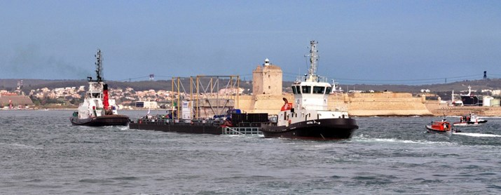 Just before entering the narrow Canal de Caronte, which connects the Mediterranean to the inland sea Étang de Berre, the barge passes the old Fort de Bouc lighthouse.
