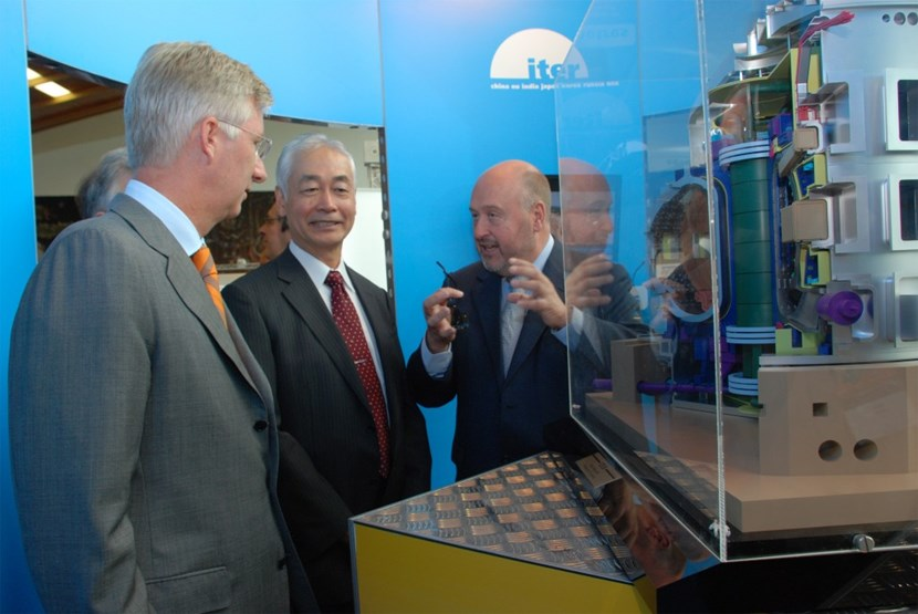 His Royal Highness Prince Philippe of Belgium expressed a strong interest in the project that was presented to him by Director-General Motojima and the Director of the Energy Directorate at the European Commission, Hervé Pero. (Click to view larger version...)