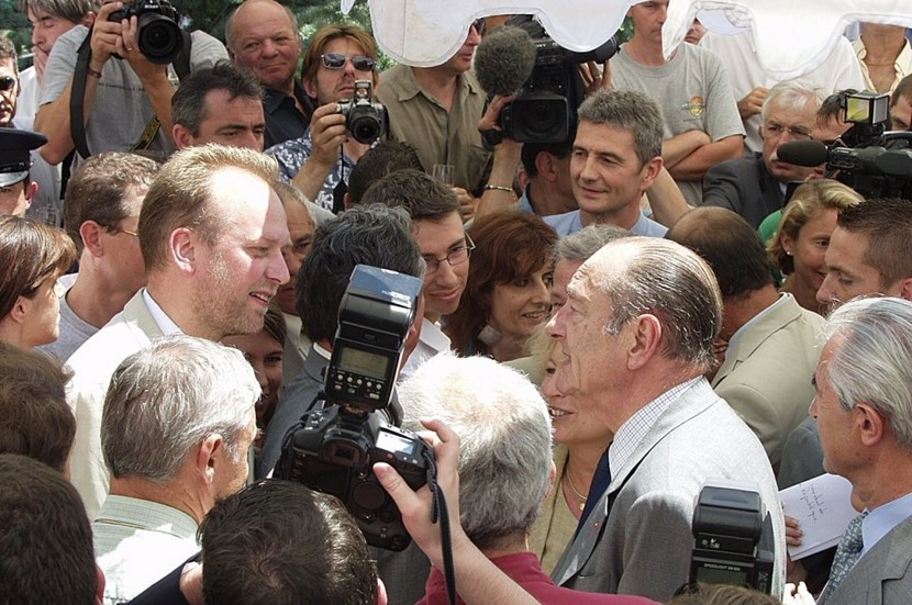 On 30 June 2005, President Chirac of France came to celebrate the Members' unanimous decision to built ITER in Cadarache. Akko Maas (at left, speaking with the President) was on the front line, having organized the logistics for the presidential visit in less than 36 hours. (Click to view larger version...)