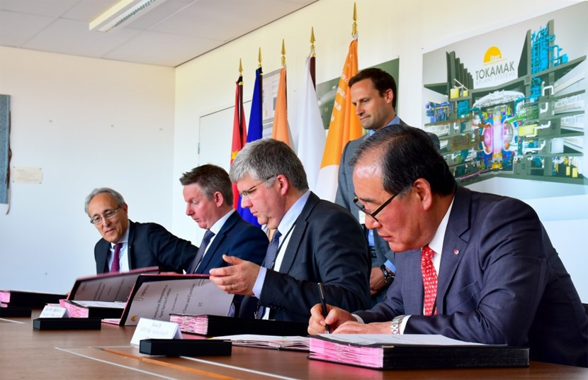 From left to right: Bernard Bigot, ITER Director-General; Tom Jones, vice-president for Business Development of Amec Foster Wheeler Nuclear; Hubert Croly-Labourdette, vice-president for Strategic Operations, Assystem; and Jik-Lae Jo, executive senior vice-president, KEPCO E & C. (Antoine Calmes, of ITER's Procurement & Contracts Division, looks on). (Click to view larger version...)