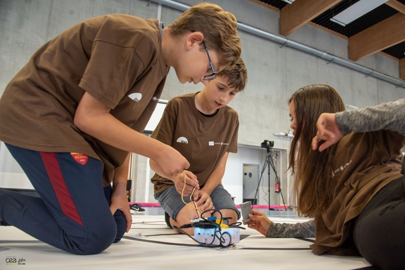 Advanced planning, precision, patience ... just like the secondary-level competition, ITER Robots for juniors offers an opportunity to develop real-life skills and experience. © Christophe ROUX-CEA (Click to view larger version...)