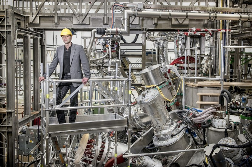 Recent achievements at Wendelstein 7-X show that the stellarator is catching up with the tokamak in terms of performance, says the project's Scientific Director Thomas Klinger. Photo: IPP, Achim Multhaupt (Click to view larger version...)