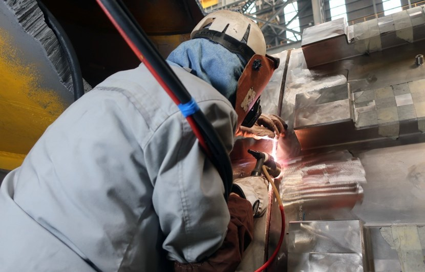 An estimated 1,380 metres of welds must be carried out. Before starting, the team carried out a ''virtual fitting'' to identify the areas requiring reverse engineering to compensate welding deformation and shrinkage. (Click to view larger version...)