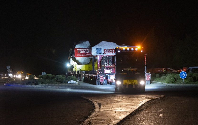 A little before 2:00 a.m. on Friday 17 April, the convoy negociates the last of the 16 roundabouts that punctuate the 104-kilometre-long ITER Itinerary. (Click to view larger version...)