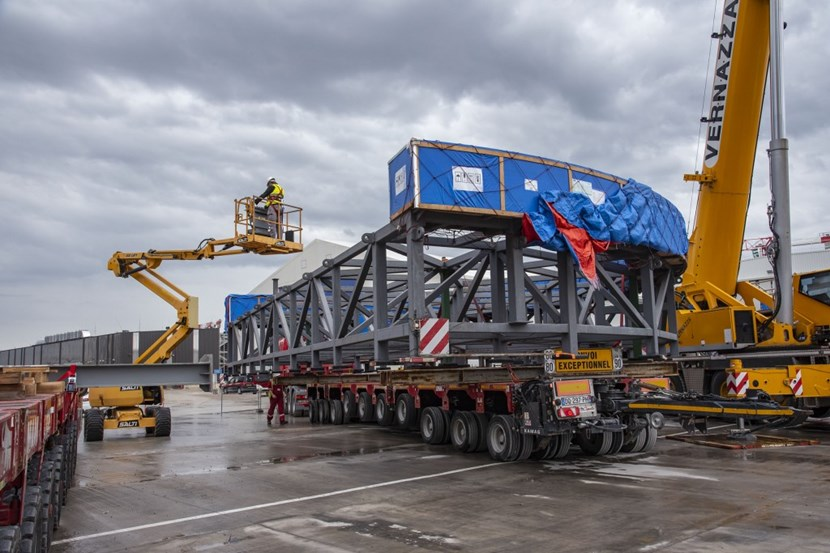 The two feeders were delivered to the ITER site on 10 September. (Click to view larger version...)