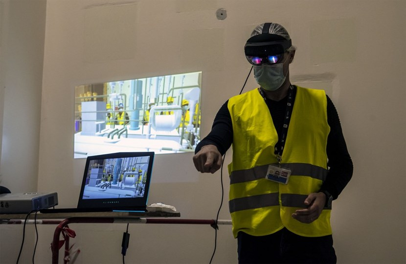 Looking like a ''White Walker'' in a local remake of the Games of Thrones series, CEA's Stéphane Gazzotti is setting the stage for a demonstration of augmented reality. (Click to view larger version...)